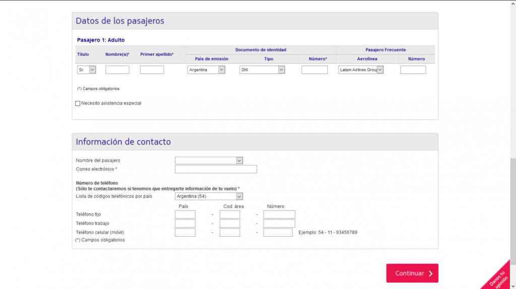 Pantalla para registrar pasajeros en el sitio web de LATAM Argentina